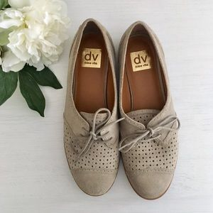 DV Dolce Vita taupe gray lace-up oxford flats